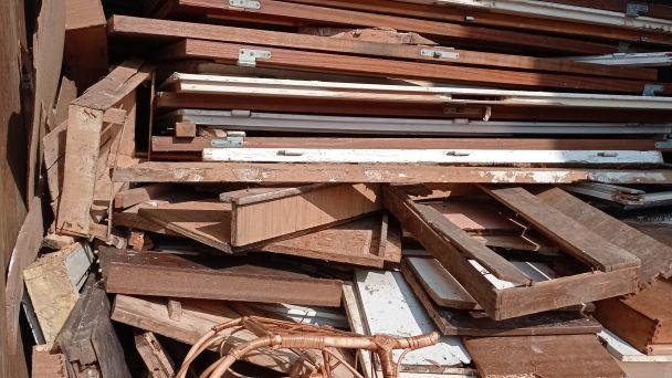 Triedime drevný odpad - zachraňujeme stromy